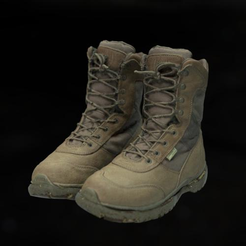 Army boots preview image