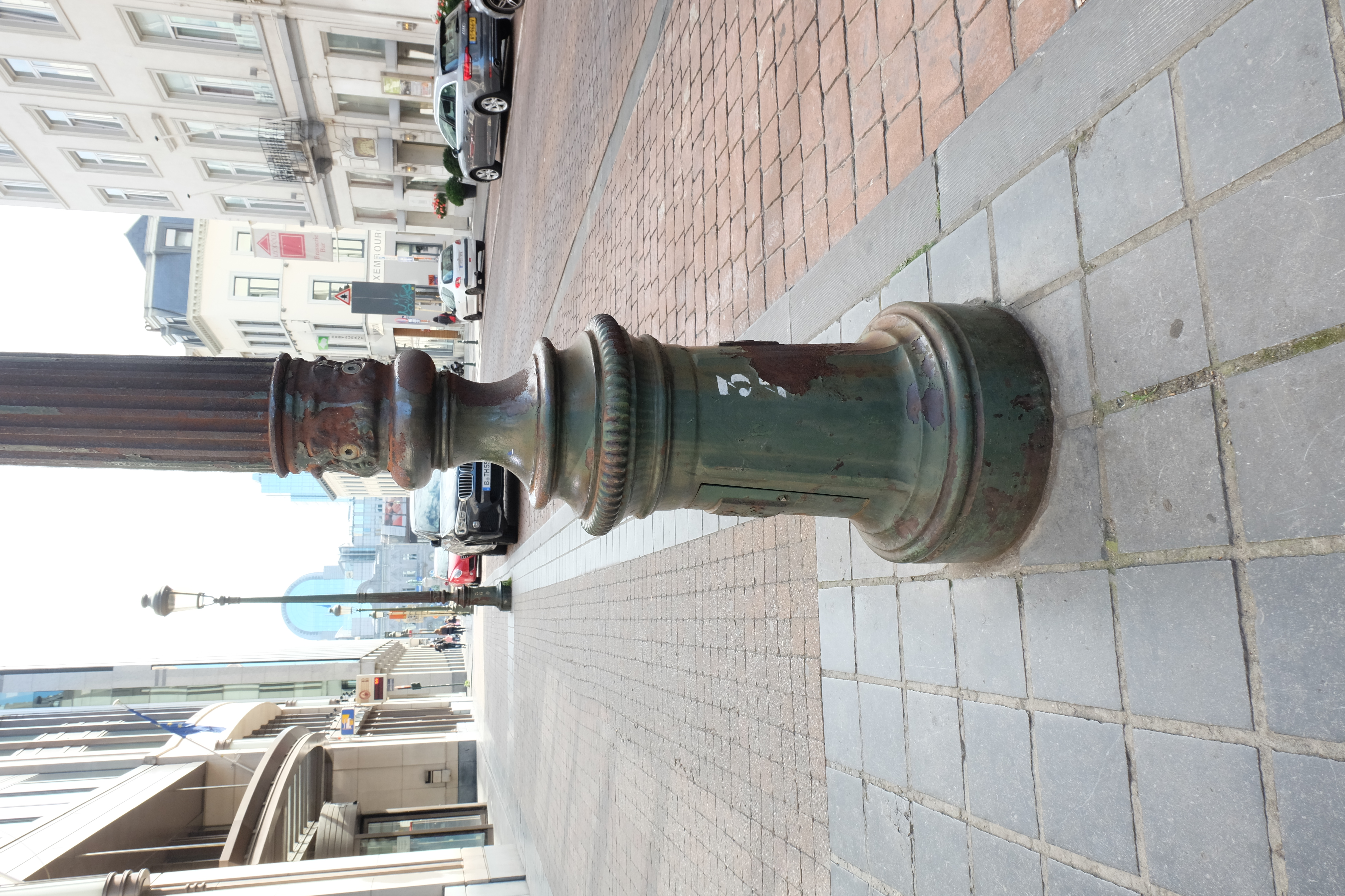 Street lamp post preview image 2
